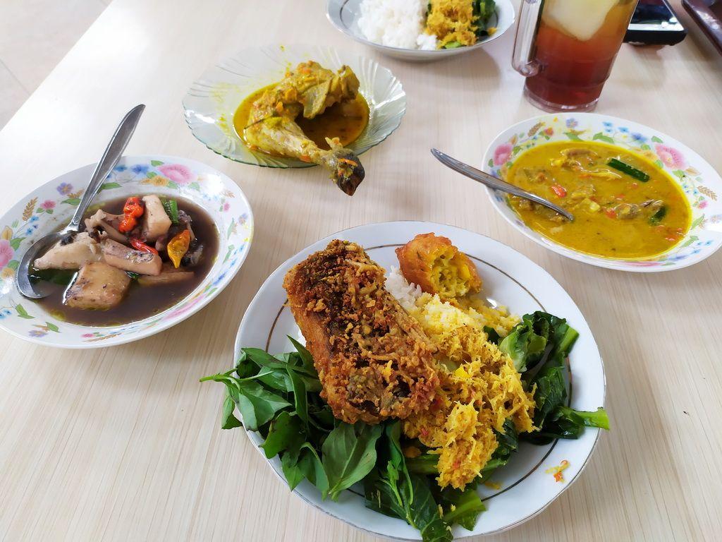 Warung Pedas Tangkilsari Malang Culinary Lounge